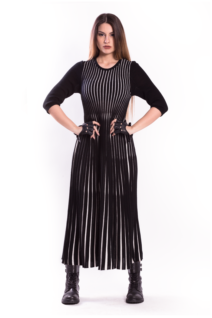 Bicolor Pleated Long Knit Dress